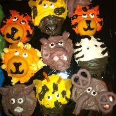 More jungle animal cupcakes