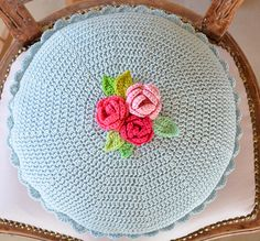 My Rose Cushion – Part 2 – CrochetObjet by MoMalron