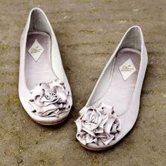 Ballet flats make elegant and comfortable wedding shoes