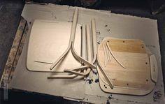 Materiales: Muebles en Madera Curvada,Componentes de las silla Split tapizada…