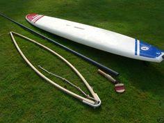 Tencate 5m di lunghezza, la prima tavola windsurf, aveva il boma in legno e nessuna regolazione.