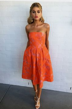 THIS JUST IN 🙌🏽 The Florence Strapless Dress & Ivy Heels have just landed in boutiques & online, styled with the Ivy Earrings & Rosalie Headband, shop now xx Formal Dress Hire, Designer Dress Hire, Dresses For The Races, Races Fashion, Maxi Styles, Orange Dress, Spring Dresses, Ball Dresses, Fashion Prints