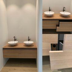 Badkamermeubel, eiken geolied 5%wit, met stopcontacten achter de fronten Double Vanity, Bathroom, Washroom, Full Bath, Bath, Bathrooms, Double Sink Vanity