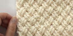 Lindo Punto Entrecruzado en Crochet el cual luce como el tejido de una cesta...