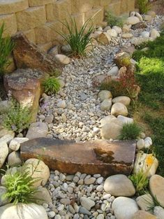 110 Awesome Dry River Bed Landscaping Design Ideas You Have Owned On Your Garden 24068 #modernyardfirepits #LandscapingDesignIdeas