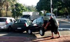 Así se aparca un coche mal estacionado en Bilbao #viral