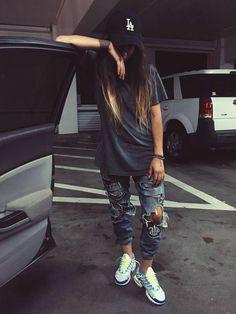 Lesbian Outfits, Tomboy Outfits, Tomboy Fashion, Mode Outfits, Fashion Outfits, Nike Shoes Cheap, Nike Free Shoes, Nike Shoes Outlet, Cheap Nike