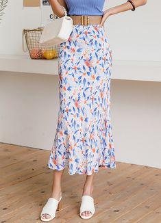 Styleonme_Water Paint Floral Maxi Skirt . . #styleonme_global #fashion #instagood #picoftheday #photooftheday #style #ootd #mixandmatch #shopping #instadaily #instafashion #selfie #fashionstagram #kstyle #kfashion #koreanlook #koreandaily #koreanfashion #kbeauty #followme #like4like #dailylook #styleonme #classy #koreanfashion #fashionkorea #ontrend #newarrivals #transitionalclothing #kdramafashion #ss21 #maxiskirt #floralskirt #midiskirt #tropicalskirt Skirt Pants, Midi Skirt, Korean Look, Teen Fashion Outfits, Korean Women, Daily Look, Floral Maxi, Korean Fashion, Like4like