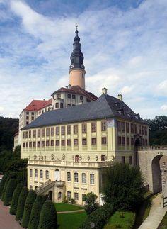 The majestic Weesenstein Castle in Saxony, Germany | The Wanderer
