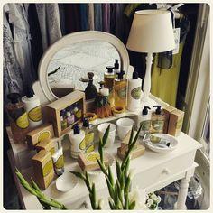Guten Morgen!  #WisteriasRoom #potsdam #berlin #shoplocal #british #light #living #accessory #decoration #interiordesign #scentedcandle #gifts #instahome #fashion #towel #pillow #design #creative #shabbyhomes #vintagestyle