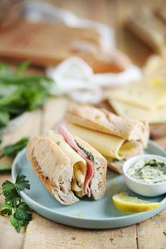 Sandwich jambon / asperges au beurre d'herbes