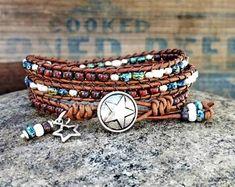Two Chicks Custom Designs par Beaded Leather Wraps, Custom Design, Etsy Seller, Wrap Bracelets, Jewelry, Beaded Bracelets, Jewlery, Jewerly, Wire Wrap Bracelets