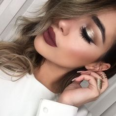 """Makeup on point @doseofcolors wearing""""disco"""" #EyedealDuo on the lid and """"Mood"""" on the lips @girlactik face glow in """"lustre"""" to highlight! @benefitcosmetics""""hoola"""" to contour."""