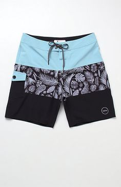 Designer Mens Shorts, Nike Clothes Mens, Clothing Store Interior, Streetwear Shorts, Tribal Shirt, Boys Clothes Style, Men's Swimsuits, African Men Fashion, Sport Shorts