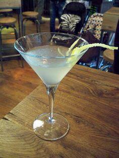 Free Pour: Jamie's ItaliaN Vanilla Lemon Martini 45ml vanilla infused vodka 15ml sugar syrup 15ml lemon juice