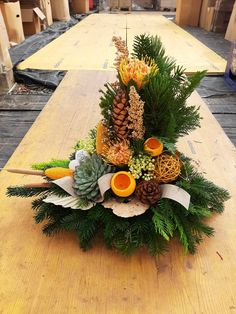 Christmas Flower Arrangements, Funeral Flower Arrangements, Funeral Flowers, Floral Arrangements, Christmas Decorations For The Home, Christmas Wreaths, Holiday Decor, Deco Floral, Ikebana