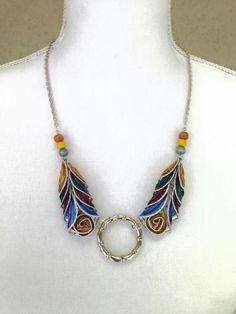 שולמית סגל                                                                                                                                                                                 Mais Vintage Jewelry Crafts, Recycled Jewelry, Wooden Jewelry, Wire Jewelry, Jewelry Art, Jewelery, Handmade Jewelry, Jewelry Design, Coffee Pods