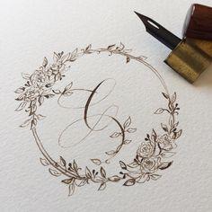 * Here's my C with pretty camellias * * 娘が「こんなのCじゃないよ。変な形。」とつぶやきました... お花は椿をイメージして描きました * * #handletteredabcs_2017 #handltteredabcs #abcs_c * * * #カリグラフィー #calligraphy #wreath #illustration #drawing #walnutink #pointedpen