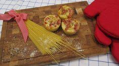 Eine Kombination, die auf den ersten Blick merkwürdig klingt: Spaghetti Carbonara und Muffins. Enie zeigt euch das Rezept ihrer außergewöhnlichen Spaghetti-Carbonara-Muffins! Sweet & Easy, Muffins, Snacks Für Party, Slow Food, Food Art, Pasta Recipes, Pineapple, Yummy Food, Yummy Yummy