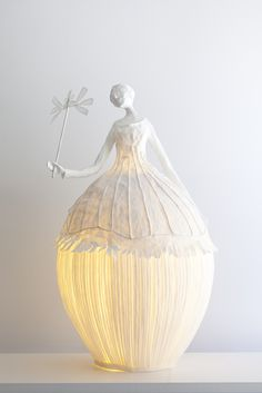 Sculpture from papier-mâché - lamp! Paper Lampshade, Lampshades, Paper Art, Paper Crafts, Diy Crafts, Paper Mache Projects, Diy Projects, Project Ideas, Papier Diy