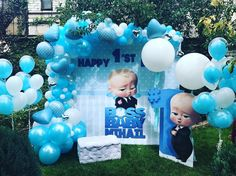 Thematic children's party of boss in diapers - Celebrat : Home of Celebration, Events to Celebrate, Wishes, Gifts ideas and more ! Baby Birthday Decorations, Baby Birthday Themes, Boss Birthday, Baby Boy First Birthday, Boy Birthday Parties, Baby Ballon, Baby Motiv, Party Fiesta, Boss Baby