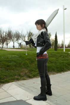 female squall leonhart cosplay by nao chan I aprove this starting with she isn't wearing what looks like sluty Squall clothes