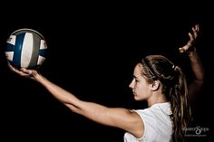 Sportrait- Volleyball Volleyball Poses, Volleyball Senior Pictures, Female Volleyball Players, Senior Photos, Senior Portraits, Life Photography, Portrait Photography, Volleyball Photography, Volleyball Inspiration
