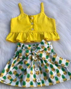Toddler Baby Girls Pineapple T-shirt Vest Tops Skirts Outfits Summer Sundress Kleinkind Baby Mädchen Ananas T-Shirt Weste Tops Röcke. Kids Dress Wear, Summer Dress Outfits, Toddler Girl Dresses, Little Girl Dresses, Toddler Shoes, Toddler Summer Clothes, Cute Baby Girl Outfits, Cute Baby Clothes, Kids Outfits