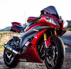 49 Ideas For Bike Helmet Storage Jet Skies Yamaha Motorcycles, Yamaha Yzf R6, Custom Motorcycles, Ducati, Course Moto, Honda, Custom Sport Bikes, Ride Out, Hot Bikes