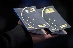 Novo passaporte brasileiro terá validade de 10 anos / Documento passou a ser emitido desde a última segunda -feira (6) pela Polícia Federal e Casa da Moeda, e terá prazo de validade de 10 anos
