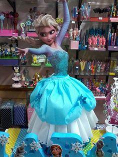 piñatas gigantes, elsa, anna, monster hig, minnie etc Frozen Pinata, Disney Frozen Birthday, Frozen Theme Party, Ideas Para Fiestas, Elsa Anna, Diy Recycle, Party Themes, Birthday Parties, Disney Princess