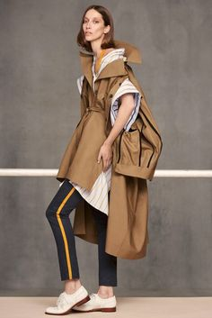 See all the Collection photos from Palmer - Harding Spring/Summer 2018 Resort now on British Vogue Fashion Details, Love Fashion, High Fashion, Fashion Show, Fashion Outfits, Fashion Design, Fashion 2018, Runway Fashion, Womens Fashion