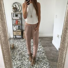 Life is better in joggers 😍😍 shop our super soft Tristan joggers Lit Outfits, Summer Outfits, Office Outfits, Work Outfits, Spring Summer Fashion, Autumn Winter Fashion, Summer 3, Summer Street, Womens Clothing Stores