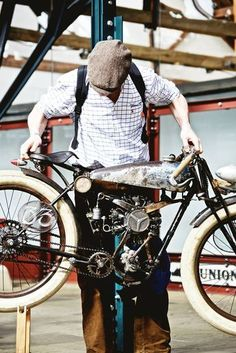 Peugeot bicycle rigid frame & Radial Engine from an RC Airplane Moto Bike, Motorcycle Bike, Peugeot, Gas Powered Bicycle, Custom Moped, Radial Engine, Motorised Bike, Push Bikes, Motorized Bicycle