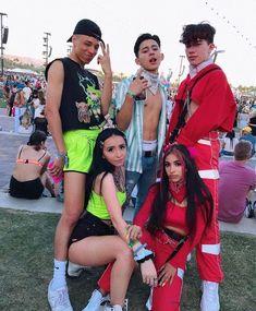 Cute Black Boys, Best Friend Photos, Curly Hair Men, Friend Goals, Future Boyfriend, Aesthetic Clothes, Cute Guys, Coachella, Larry