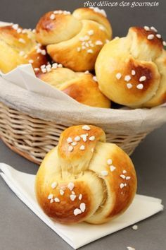Discover recipes, home ideas, style inspiration and other ideas to try. Bread And Pastries, Cooking Chef, Cooking Recipes, Brioche Bread, Thermomix Desserts, Kitchen Recipes, Bread Baking, Love Food, Sweet Recipes