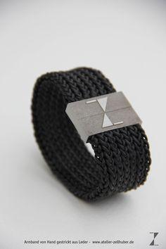 Armband - von Hand gestrickt aus Leder www.atelier-zellhuber.de