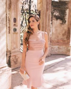 I love love love getting dressed up for the holidays and I found some of the prettiest dresses over on galmeetsglam.com today (Link in profile!) #holidaystyle #holidayparty #blush #blushdress #partydress #holidaydress #dresslover