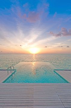 Conrad Hotel, Malediven – Philip J Reeves – Join the world of pin Vacation Places, Dream Vacations, Vacation Spots, Places To Travel, Places To See, Hotel Sunset, Paradis Tropical, Maldives Travel, Beach Trip