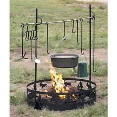 i would LOVE to have this for the trailer! can't wait to get the shop put in so i can do some welding!!! have to make this and incorporate a rotisserie or spit too