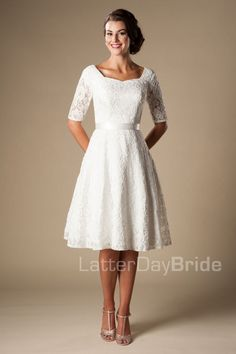 'Marilyn' Modest wedding gown