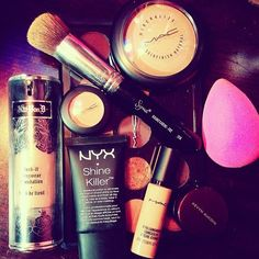 Beauty blender, mineralized skin finish natural, & mac pro longwear concealer are must have holygrails!!!