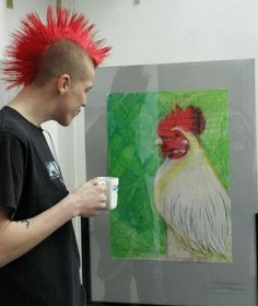 I knew a punk rocker that had a mow hawk & he loved roosters. I called him Rooster Boy! I knew a punk rocker that had a mow hawk & he loved roosters. I called him Rooster Boy! Estilo Punk Rock, Punk Guys, Chica Punk, Arte Punk, Punk Art, Punk Mode, Grunge, Punks Not Dead, Elfa