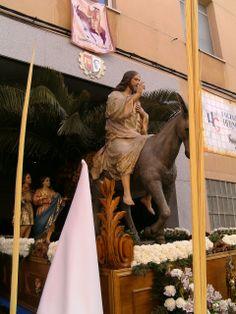 Foto de Eduardo Muñoz. Domingo de Ramos, procesión de La Borriquilla -Ciudad Real- Instantánea tomada con cámara de fotos