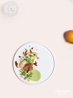 Alex Joseph - Rouge Tomate - Poitrine de porc, langoustines, petits pois, ail des ours du Ternat - Varkenslapjes, langoustines, erwtjes, wilde look uit Ternat - #culinaria2015 #belgiumeffect www.culinaria2015.com