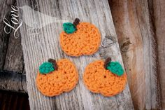 crochet pumpkins - so much fun to make... <3  Love The Blue Bird