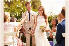 Guide to Destination Wedding Etiquette - Kerala Wedding Trends Modern Wedding Vows, Wedding Ceremony, Wedding Venues, Wedding Photos, Wedding Sparklers, Planning A Small Wedding, The Wedding Planner, Wedding Planners, Wedding Etiquette