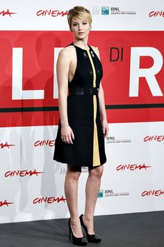 Jennifer Lawrence chose a dress from the Proenza Schouler spring/summer 2014 collection, accessorised with Saint Laurent heels.