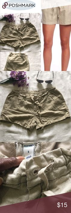 🔆SALE!🔆💜Comfy Linen Drawstring Shorts💜 Super cute pair of shorts in EUC. Maybe worn 2 or 3 times. Perfect for spring and summer. The drawstring helps to adjust the waist. There are two working side pockets and the back pockets are sewn shut. Shorts measure 12 inches from back top seam to bottom of legs and cuffs are sewn in. Measures 21 inches across laying flat. Please feel free to make an offer using the offer button. Old Navy Shorts