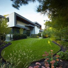 Toronto Residence by Belzberg Architects, Location: #Toronto, #Ontario, #Canada  Check out @Luxury for more. •
